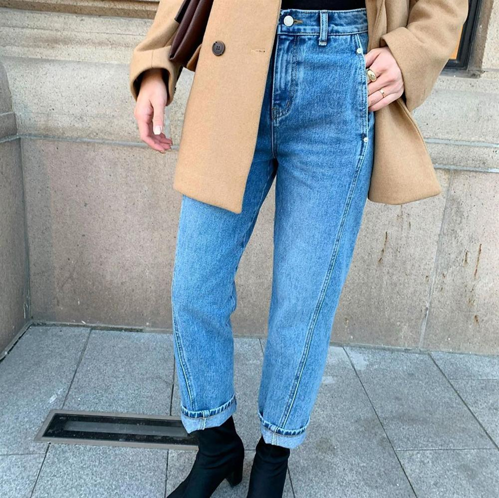 Dù bạn sở hữu kiểu quần jeans nào thì cũng có cách mix đồ tôn dáng ăn gian chân dài, diện đi chơi hay đi làm đều chuẩn chỉnh-10