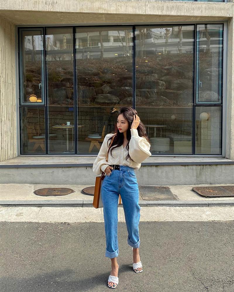 Dù bạn sở hữu kiểu quần jeans nào thì cũng có cách mix đồ tôn dáng ăn gian chân dài, diện đi chơi hay đi làm đều chuẩn chỉnh-3
