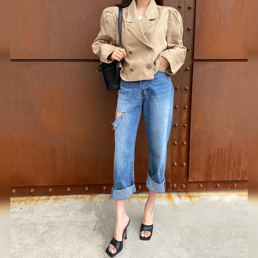 Dù bạn sở hữu kiểu quần jeans nào thì cũng có cách mix đồ tôn dáng ăn gian chân dài, diện đi chơi hay đi làm đều chuẩn chỉnh-4