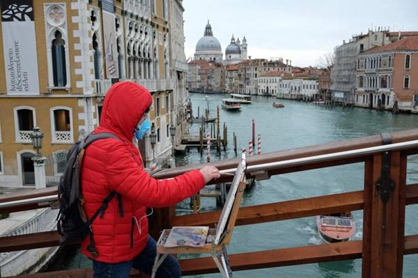 Italy sau lệnh phong tỏa: Cuộc sống chững lại, người dân cảm thấy sốc nhưng du khách vẫn muốn trải nghiệm khung cảnh im ắng lạ thường-1