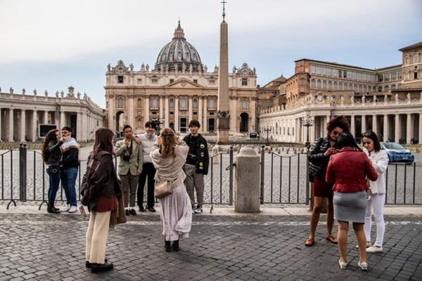 Italy sau lệnh phong tỏa: Cuộc sống chững lại, người dân cảm thấy sốc nhưng du khách vẫn muốn trải nghiệm khung cảnh im ắng lạ thường-12