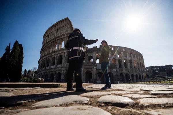 Italy sau lệnh phong tỏa: Cuộc sống chững lại, người dân cảm thấy sốc nhưng du khách vẫn muốn trải nghiệm khung cảnh im ắng lạ thường-15