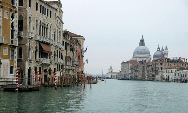 Italy sau lệnh phong tỏa: Cuộc sống chững lại, người dân cảm thấy sốc nhưng du khách vẫn muốn trải nghiệm khung cảnh im ắng lạ thường-16
