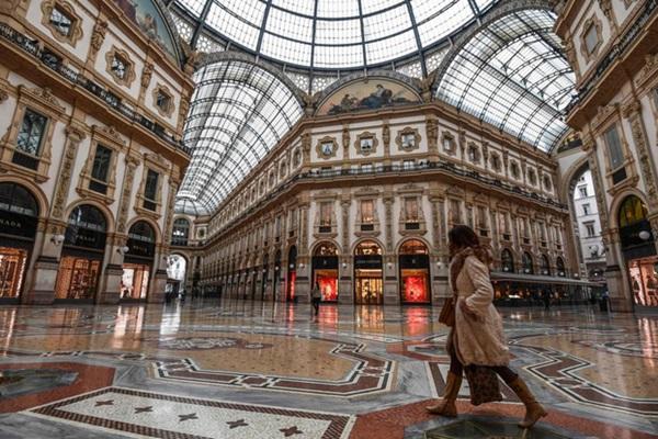 Italy sau lệnh phong tỏa: Cuộc sống chững lại, người dân cảm thấy sốc nhưng du khách vẫn muốn trải nghiệm khung cảnh im ắng lạ thường-23
