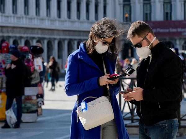 Google theo bước Facebook, tạm cấm quảng cáo khẩu trang y tế-1