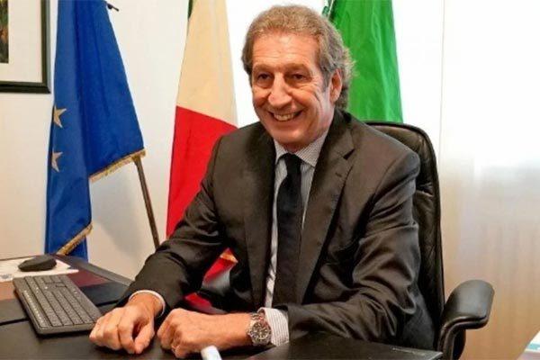 Bác sĩ nổi tiếng Italia thiệt mạng vì Covid-19-1