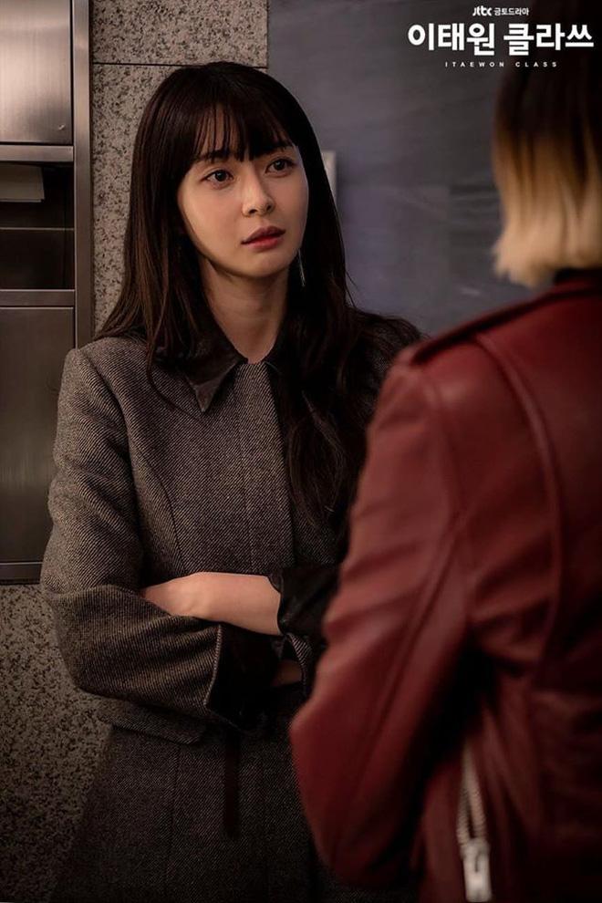 Mở đầu hầm hố nhưng Tầng Lớp Itaewon lại xuống phong độ rõ nét vì 5 lý do này, biên kịch ơi cứu nổi phim không?-11