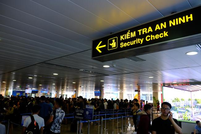 Sở Y tế TP.HCM đề nghị phổ biến rộng rãi khẩn danh sách hành khách trên chuyến bay VN0054 có nhiều người nhiễm Covid-19-2