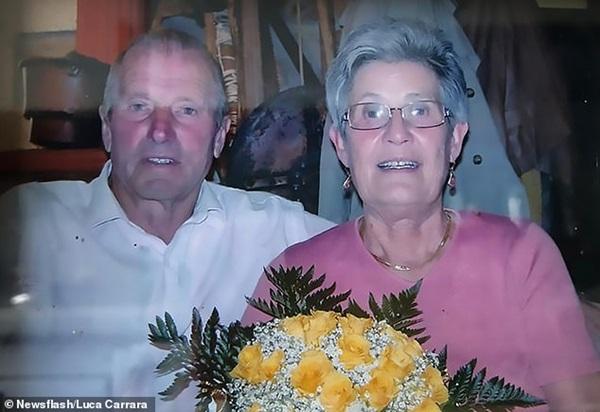 Cặp vợ chồng già chết cách nhau 2 tiếng đồng hồ vì Covid-19, giây phút cuối đời đơn độc trên giường bệnh vì con trai đang cách ly-1