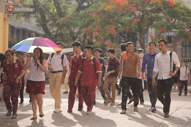 Nóng: TP.HCM chính thức cho học sinh các cấp nghỉ đến 5/4-1