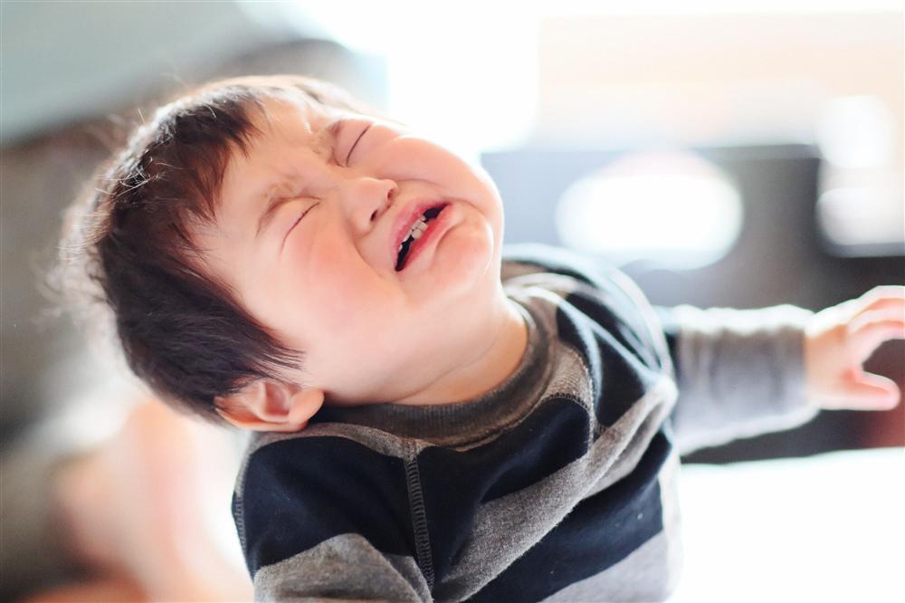 Nếu con trai khóc, bố mẹ đừng vội mắng yếu đuối, hãy để con thể hiện cảm xúc bởi những nguyên nhân quan trọng sau-1