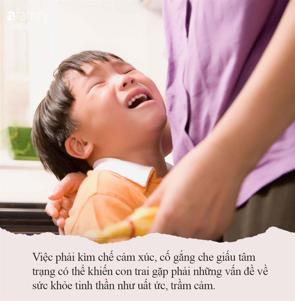 Nếu con trai khóc, bố mẹ đừng vội mắng yếu đuối, hãy để con thể hiện cảm xúc bởi những nguyên nhân quan trọng sau-2