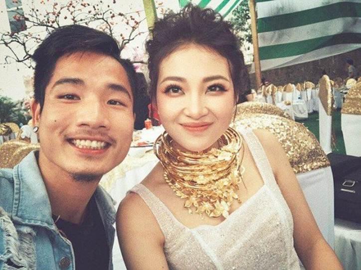 Hé lộ hình ảnh hiếm hoi về con gái mới sinh của cô dâu đeo 200 cây vàng ở Nam Định-6