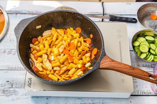 Gà xào rau củ - đủ chất ngon cơm cho bữa tối bận rộn-4