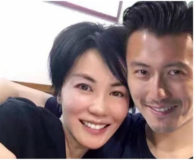 Nội tình vụ ly hôn giữa Vương Phi và Lý Á Bằng bị lộ, liệu đây có phải nguyên nhân thiên hậu Hong Kong quay lại với tình trẻ?-4