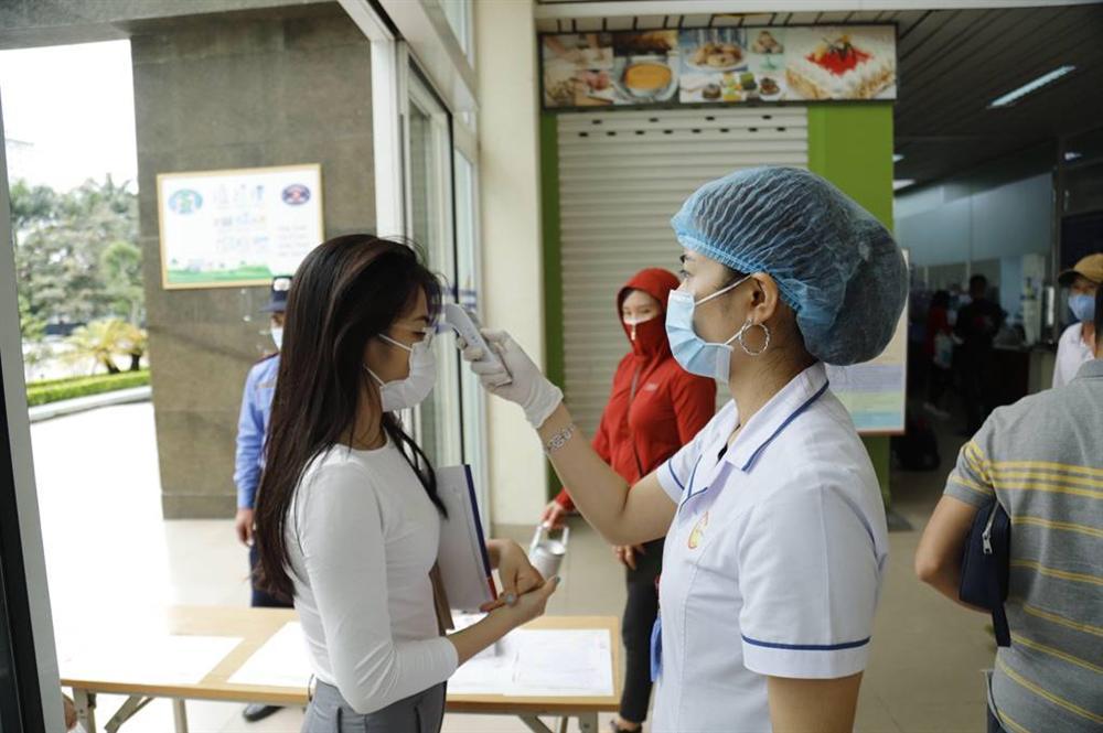 Sửng sốt với vũ điệu rửa tay Ghen Cô Vy của Bệnh viện K-2
