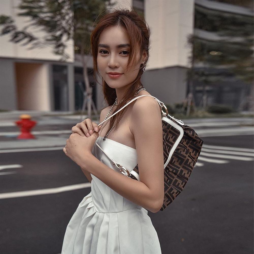 Style của Lan Ngọc rất thiếu những items kín cổng cao tường, thay vào đó là thật nhiều đồ hở vai để trông sexy mà tinh tế-1