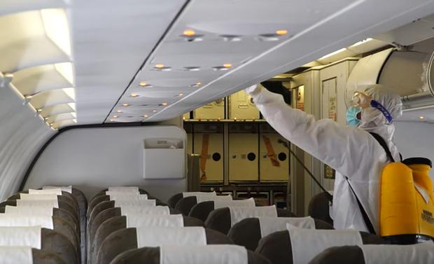 TP.HCM khẩn trương tìm 1 hành khách có nguy cơ cao nhiễm Covid-19 đi trên chuyến bay QR970-1