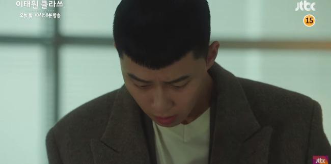 Itaewon Class: Điên nữ Da Mi ngất xỉu lại còn bị bắt cóc khiến Park Seo Joon hoảng loạn đến điên dại?-5
