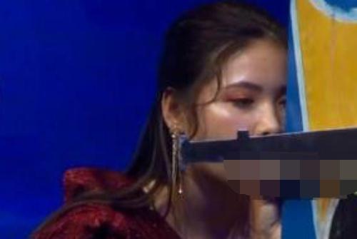 Sóng giờ vàng game show Việt để lọt cảnh gợi dục: Vì đâu nên nỗi?-1