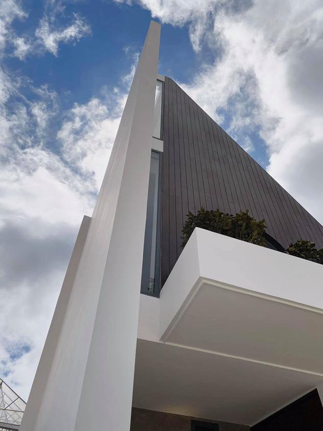Clip cận cảnh biệt thự 10 tỷ ở Đà Lạt của vợ chồng Tóc Tiên: Như khách sạn 5 sao nhưng chỉ là 1% của tài sản kếch xù-5