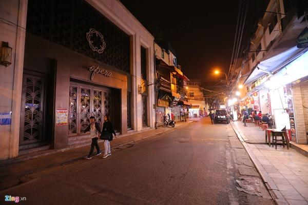 Hà Nội: Quán bar phố Tây Tạ Hiện tạm ngừng hoạt động, mong khách giữ sức khỏe trong dịch bệnh-8
