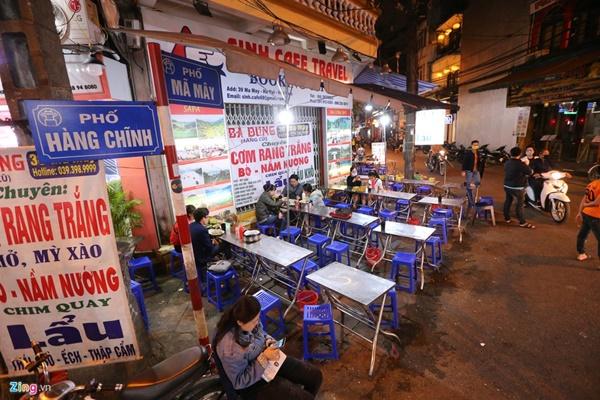 Hà Nội: Quán bar phố Tây Tạ Hiện tạm ngừng hoạt động, mong khách giữ sức khỏe trong dịch bệnh-9