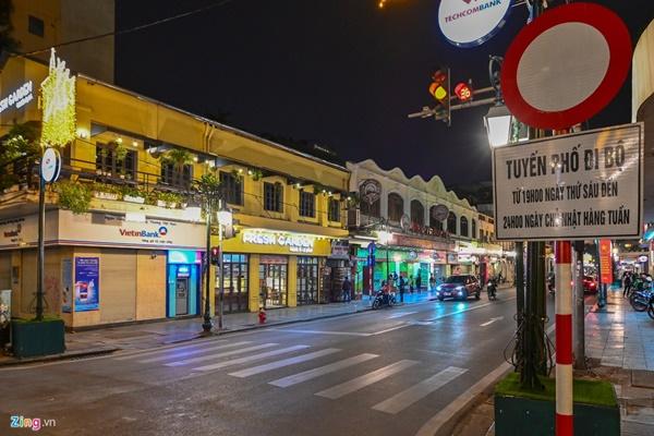 Hà Nội: Quán bar phố Tây Tạ Hiện tạm ngừng hoạt động, mong khách giữ sức khỏe trong dịch bệnh-10