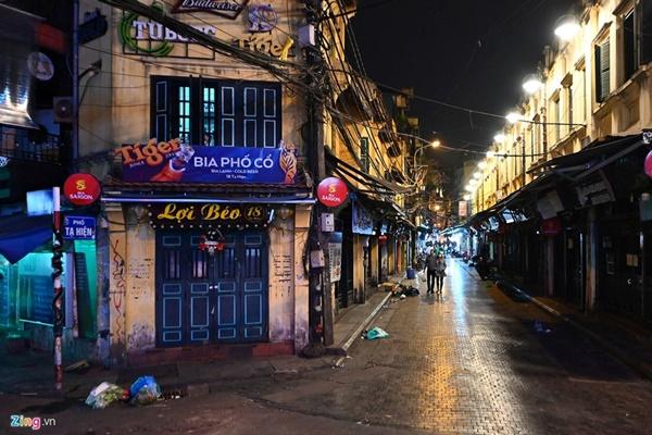 Hà Nội: Quán bar phố Tây Tạ Hiện tạm ngừng hoạt động, mong khách giữ sức khỏe trong dịch bệnh-2