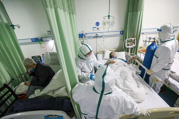 Bác sĩ BV Xanh-pôn chỉ cách sử dụng điều hòa đúng trước tình hình dịch COVID-19 diễn biến phức tạp-2