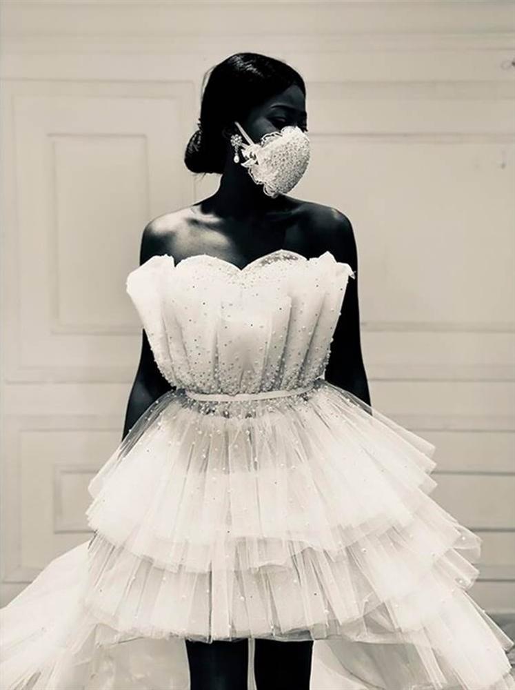 NTK Ai Cập tung combo chống dịch cho các cô dâu: Váy cưới cùng khẩu trang-3