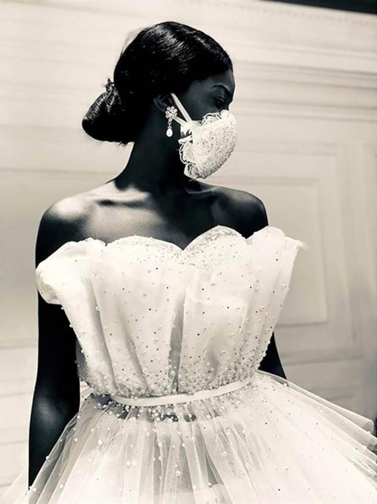 NTK Ai Cập tung combo chống dịch cho các cô dâu: Váy cưới cùng khẩu trang-4