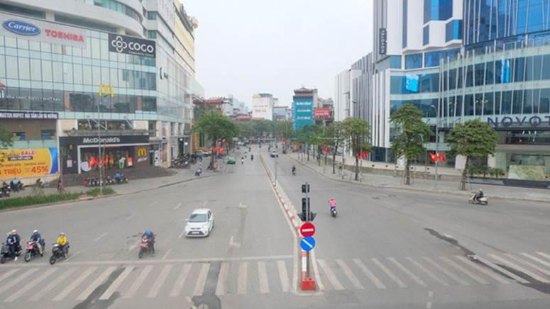 Ảnh: Phố phường Hà Nội vắng như mùng 1 Tết vì dịch Covid-19-1