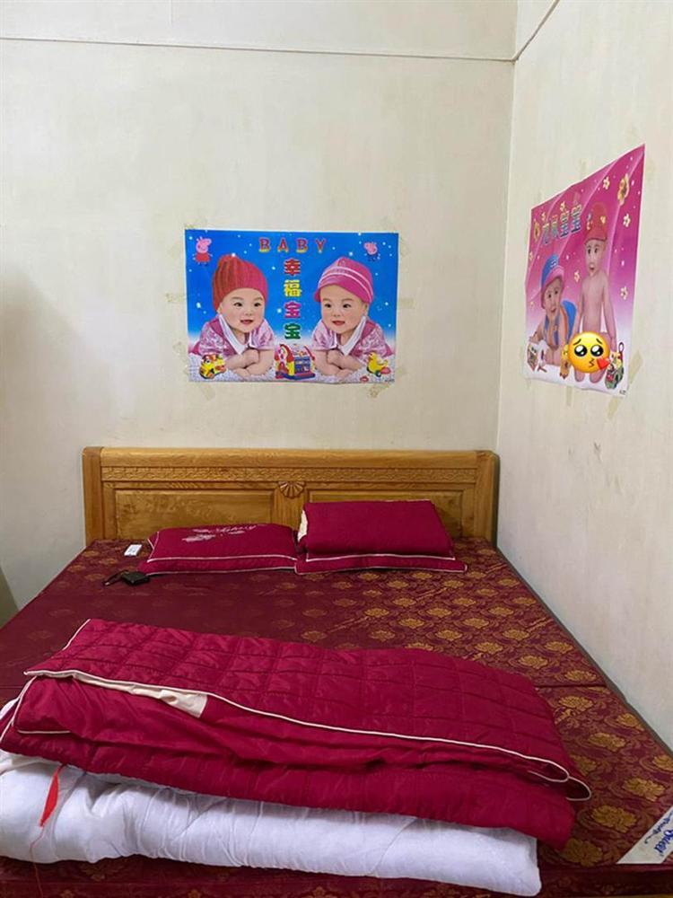 30 tuổi mà mãi chưa chịu lấy vợ, nam thanh niên được phụ huynh decor phòng ngủ đặc biệt thế này đây-2