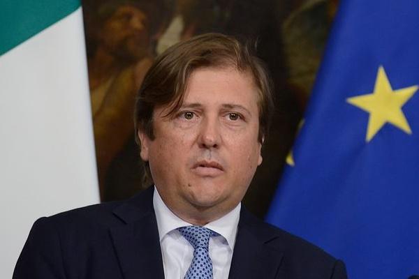 Thứ trưởng Y tế Italy nhiễm virus corona-1