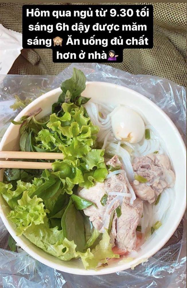 Hotgirl Việt khoe những bữa cơm tuyệt ngon khi cách ly tập trung, fan tấm tắc hơn cả nghỉ dưỡng-4