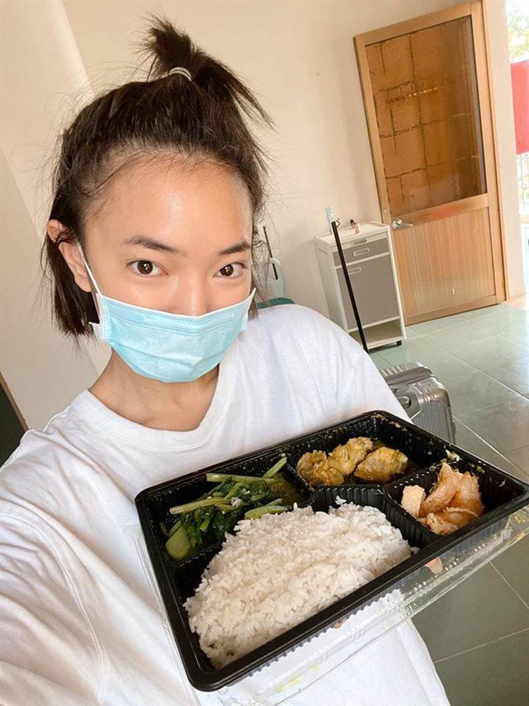Hotgirl Việt khoe những bữa cơm tuyệt ngon khi cách ly tập trung, fan tấm tắc hơn cả nghỉ dưỡng-8