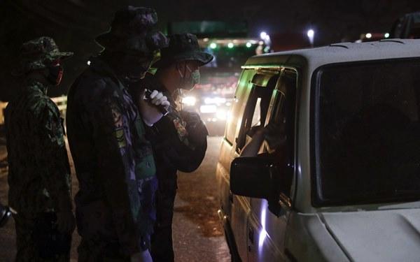 Hàng nghìn cảnh sát, binh sĩ Philippines phong tỏa thủ đô vì Covid-19-3