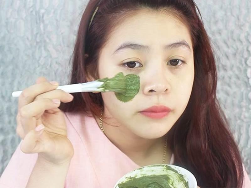 Tự tin phơi mặt dưới ánh mặt trời, H'Hen Niê để lộ mụn và da sần sùi dù makeup kĩ-11