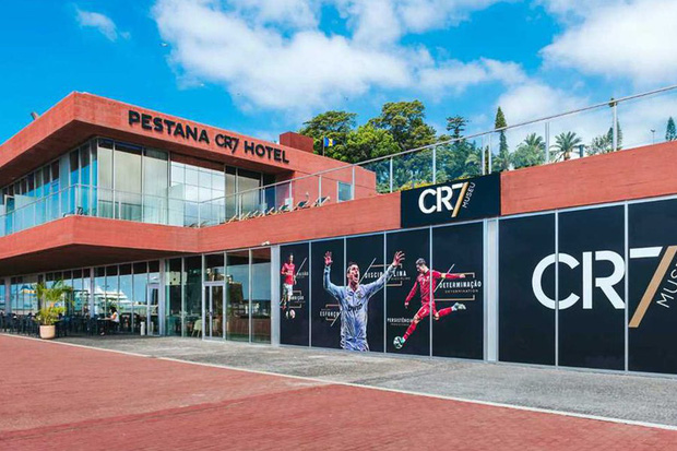 Nhân viên của Ronaldo xác nhận KHÔNG CÓ CHUYỆN khách sạn CR7 được dùng làm bệnh viện phục vụ bệnh nhân nhiễm Covid-19-4