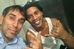 Tiền nhiều cũng không thể giúp được Ronaldinho-2