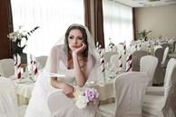 Chi nghìn USD để chuẩn bị đám cưới nhưng sợ khách không đến vì dịch Covid-19, cô dâu gây phẫn nộ khi đăng đàn cảnh cáo 'không đến thì chết với tôi'
