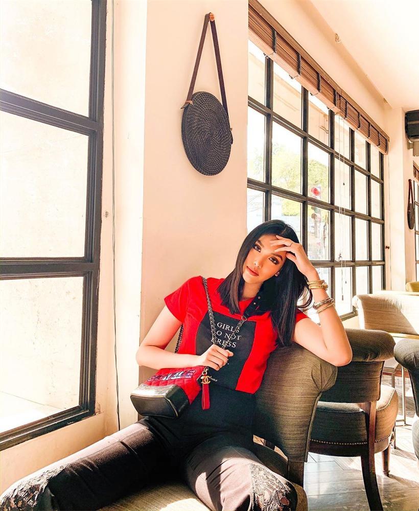 Street style sao Việt: Ngọc Trinh lộ chân gân guốc, chị đại Lệ Quyên eo bé đến mức như bơi trong váy-11