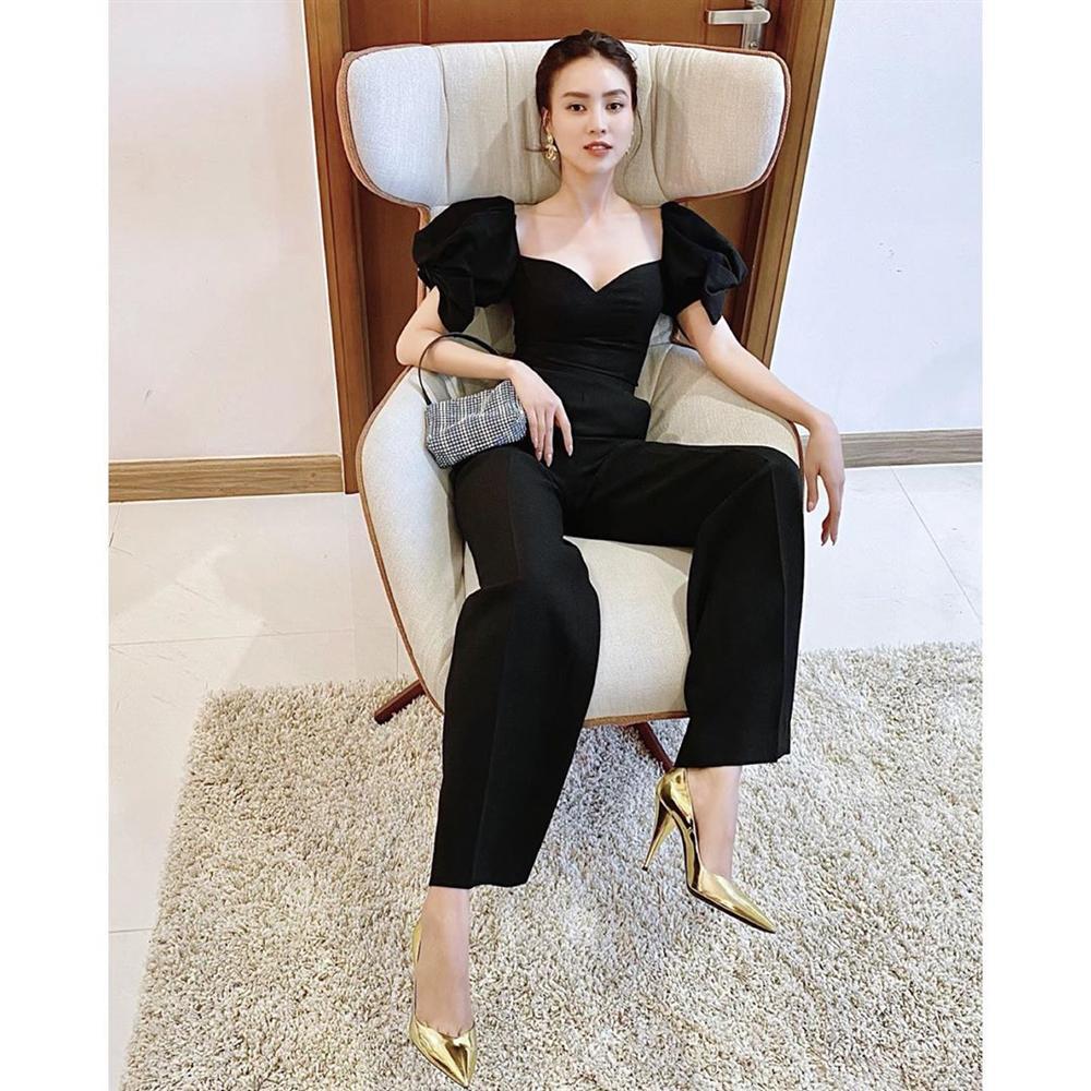 Street style sao Việt: Ngọc Trinh lộ chân gân guốc, chị đại Lệ Quyên eo bé đến mức như bơi trong váy-12