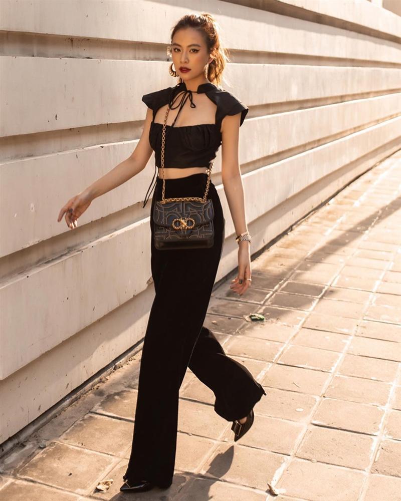 Street style sao Việt: Ngọc Trinh lộ chân gân guốc, chị đại Lệ Quyên eo bé đến mức như bơi trong váy-14