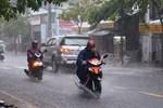 Thời tiết hôm nay 18/3, khí lạnh tràn về, Hà Nội gió giật mưa giông-2