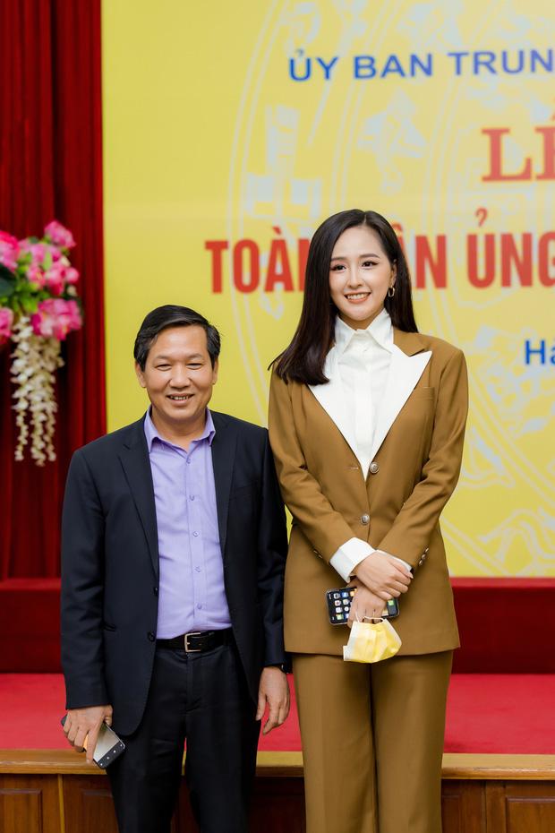Hoa hậu Mai Phương Thuý gặp Thủ tướng Chính phủ, đại diện ủng hộ 20 tỷ đồng phòng chống đại dịch Covid-19-6
