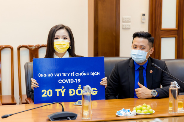 Hoa hậu Mai Phương Thuý gặp Thủ tướng Chính phủ, đại diện ủng hộ 20 tỷ đồng phòng chống đại dịch Covid-19-3