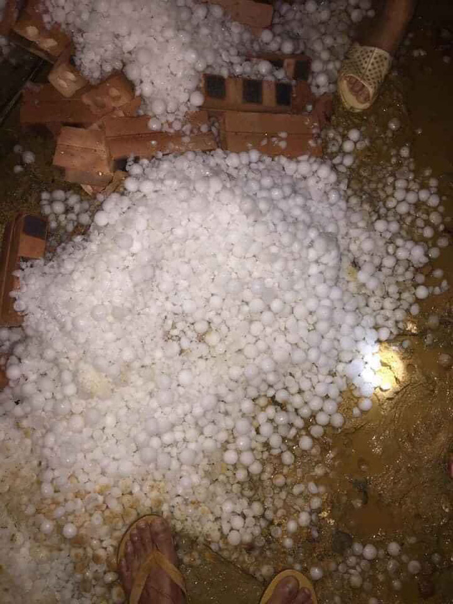Mưa đá kinh hoàng ở Lai Châu, Lào Cai: Mật độ dày đặc, hạt mưa to như quả trứng gà-7