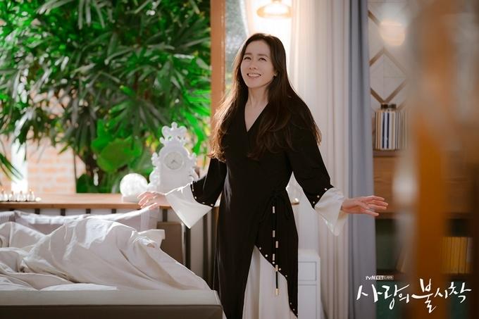Căn nhà sang chảnh Son Ye Jin và Hyun Bin diễn trong Hạ cánh nơi anh-1